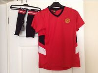 Boys Manchester United Shirt and socks 9-10years