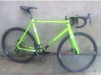 Kinesis Crosslight Pro 6 Cyclocross bike Green 60cm Carbon Fork and Bars Shimano 105