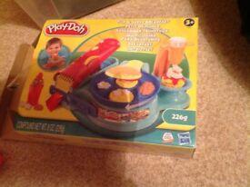 Playdoh flip and serve breakfast set