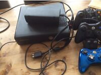 Xbox 360 120 gb , 3 controllers and 11 games