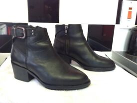 Top shop ankle boots size 3 black leather £20 only worn twice was £110.00