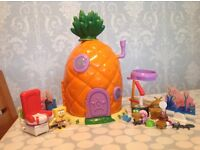 Spongebob Pineapple Playset like new with lots of accessories now only £10!!