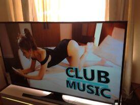SAMSUNG 55-inch UHD 4K HDR NANO CRYSTAL Smart LED TV,builtin Wifi,Freeview HD,Netflix,Fully Working