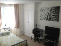 Lovely, bright, fully furnished single room in Brighton Central town house - ALL BILLS INCLUDED.