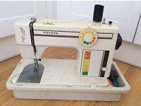 Toyota doméstic sewing machine