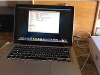Apple MacBook Pro 13.3 inch, with disk drive model MD101B/A