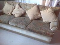 Traditional, retro 3 piece suite