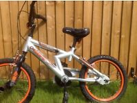 Boys bike 16in with stabilizers very good condition