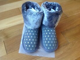 Girls winter boots NEW size 13