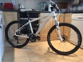 2013 Cannondale Trail SL Women's 3 Mountain Bike in excellent condition. Beautiful bike. Price £140.