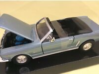 Ford Mustang 1964 1/24 in blue Motor Max