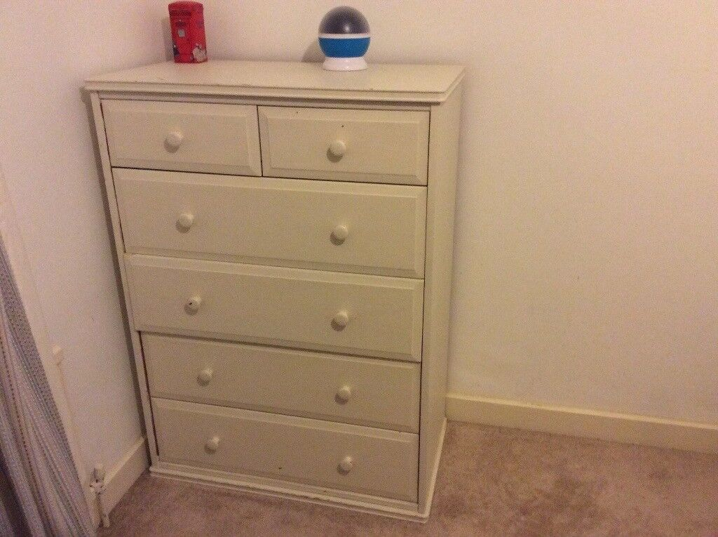 Off-cream chest of drawers