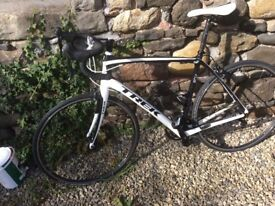 Trek Domane Carbon Road 58cm frame Sportive Endurance bike