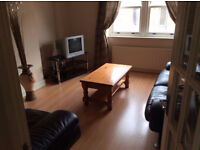 2 single rooms+2 twin/triples 3- 5 min Canary Wharf,Poplar.Close. Bethnal Green,Mile End,Queen Mary