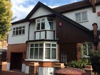 5 Bedroom large family house - great location