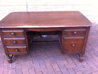 Vintage character oozing reproduction desk in great condition