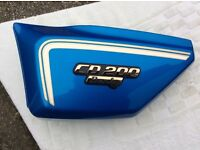 Honda CD200 Benly left side panel, 12 volt model, Blue. (new)
