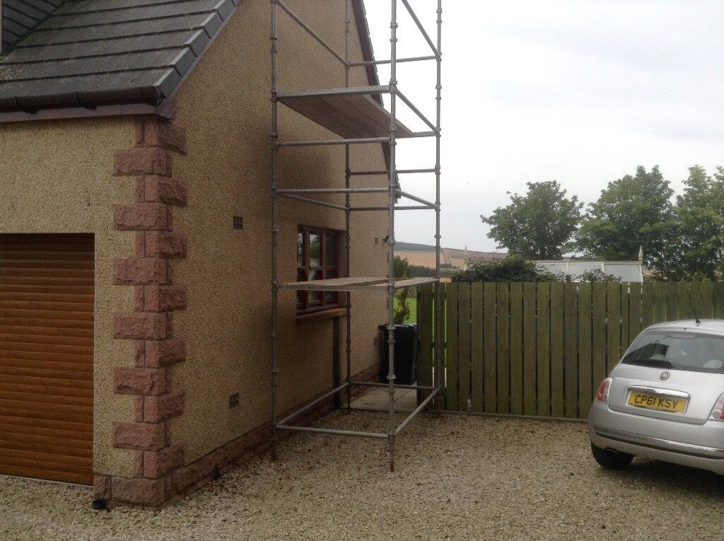 Cup lock scaffolding for up to 8 metres high.