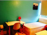 BRIGHT CUTE TWIN/DOUBLE ROOM HABITACION DOBLE, 8 MNTS WALK BOW ROAD, 15 MNT TUBE OXFORD ST, MILE END