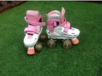 Adjustable roller boots with flashing wheels