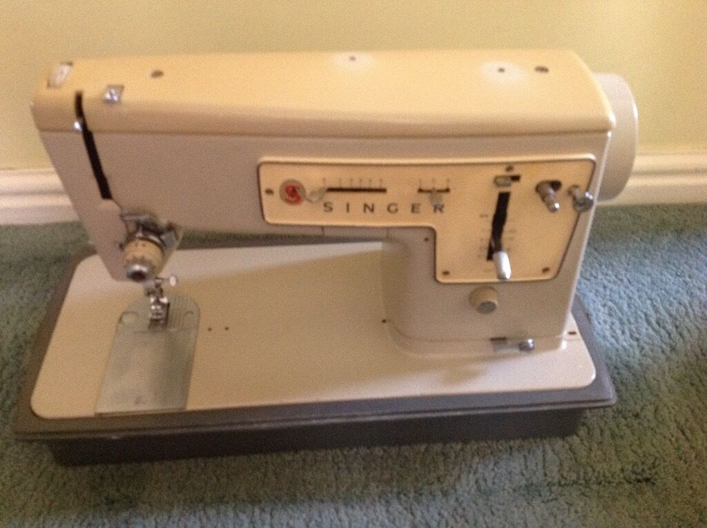 Singer Sewing Machine 40 FOR SPARES OR REPAIR In Cheltenham Mesmerizing Singer 447 Sewing Machine