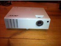 Acer P1173 DLP Projector