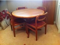 Dining/kitchen table solid wood 4 upholstered chairs lovely condition