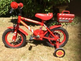 Boys / girls bike, with stabilisers, Excellent Condition!