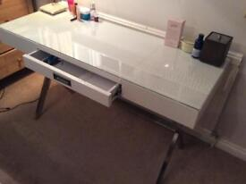 Glass top dressing/vanity table