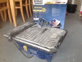 Table top tile saw. 750 watts.