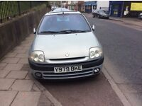 2001 Renault Clio 1.4cc petrol 5 door mot until January ideal first time driver