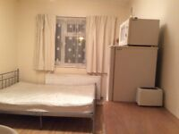 Double room, 2 minutes from tube, buses amenities, inclusive of bills and Internet