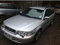 BREAKING VOLVO V70 1.9 DIESEL SILVER 2002 PARTS AVAILABLE
