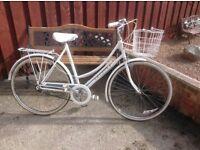 Retro ladies Raleigh caprice town bike mint condition,