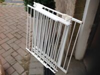 Extendable stair gate