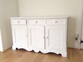 Side board Annie Sloan white chalk paint, waxed