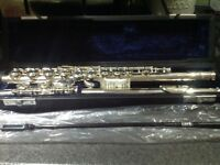 Student flute in excellent condition