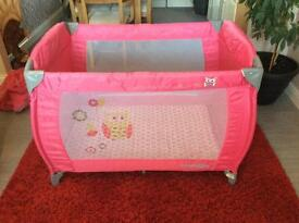 Portable child baby travel cot/playpen with Bassinet