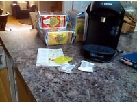 Bosch tassimo drinks maker with 4 packs of tea pods