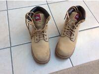 Men's Quicksilver boots - size 12