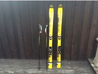 Salmon scream 130 child's skis and bindings with 95cm long poles