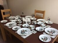 Portmeirion The Holly & the Ivy Dinner Service. 54 Pieces incl Plates, Glasses, Mugs etc