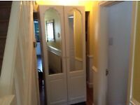 Large double wardrobe, vgc, can deliver