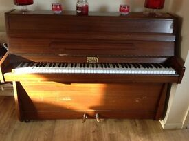 Small Berry London Piano