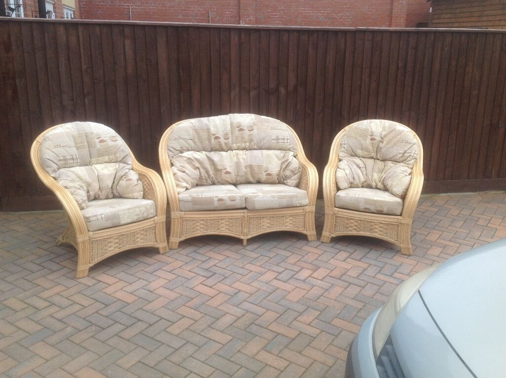Conservatory Furniture Set Excellent Condition Bought