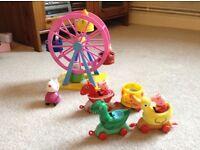 Peppa Pig Ferris Wheel and Theme Park Train Ride