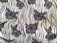 BEDSPREAD / THROWOVER SIZE 4ft 6 inches