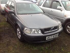 2002 VOLVO V40 S 1.8 PETROL BREAKING FOR PARTS ONLY POSTAGE AVAILABLE NATIONWIDE