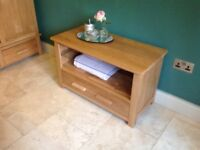 Oak TV unit immaculate