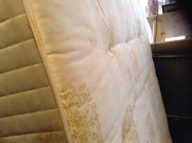 King size mattress,immaculate,£75.00